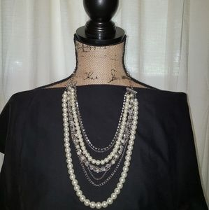 Jewelry - PEARL NECKLACE AND BRACELET  SET
